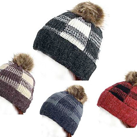 Knitted Checker PomPom Hat