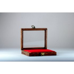 "Hardwood Display Case 9-1/2"" x 7-1/2"" x 2"""
