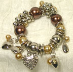 Stretch Charm BRACELET with Heart and Beads in Brown