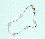 Freshwater Pearl in Chain BRACELET